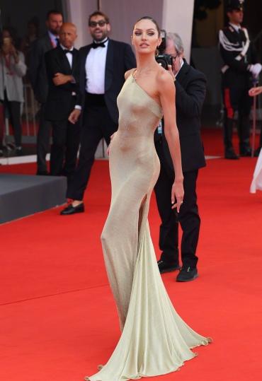 Candice Swanepoel in Etro-3