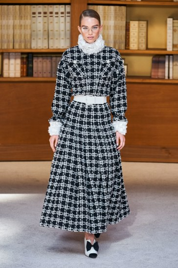 Chanel Fall 2019 Couture Look 12