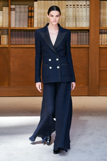 Chanel Fall 2019 Couture Look 15