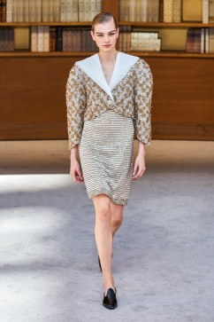 Chanel Fall 2019 Couture Look 18