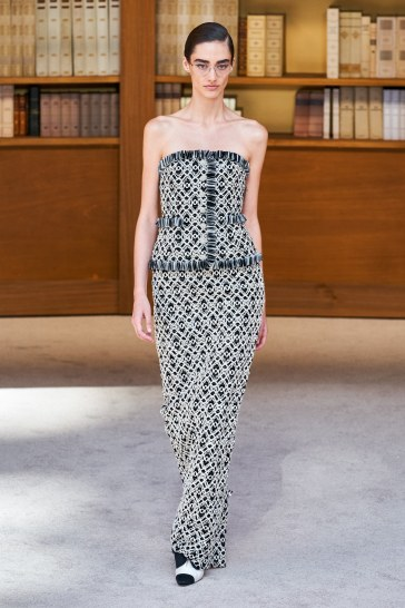 Chanel Fall 2019 Couture Look 26
