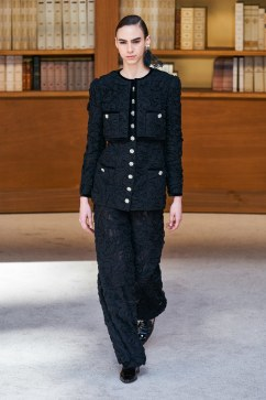 Chanel Fall 2019 Couture Look 31