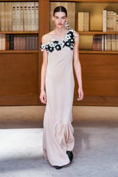 Chanel Fall 2019 Couture Look 44