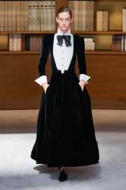 Chanel Fall 2019 Couture Look 54