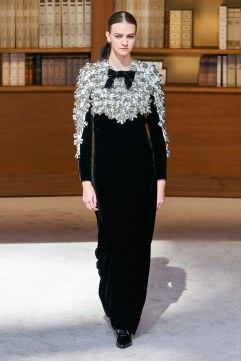 Chanel Fall 2019 Couture Look 58