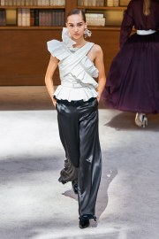 Chanel Fall 2019 Couture Look 60