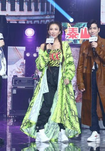 Coco Lee in Off-White Spring 2019 & Gucci Resort 2019-7