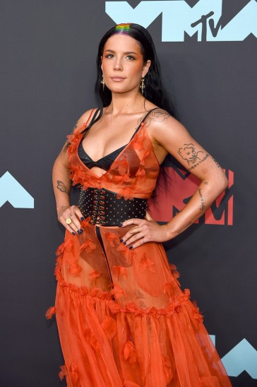 Halsey in Dundas Fall 2019 Couture-1