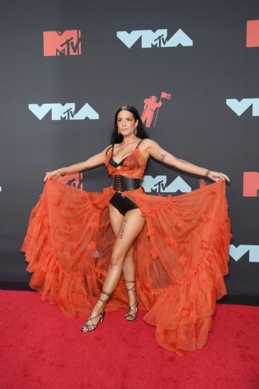 Halsey in Dundas Fall 2019 Couture-2