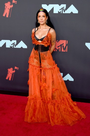 Halsey in Dundas Fall 2019 Couture-3