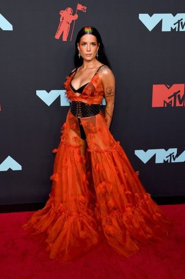 Halsey in Dundas Fall 2019 Couture-4