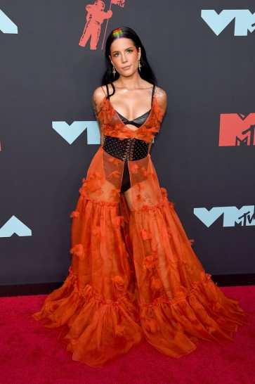 Halsey in Dundas Fall 2019 Couture