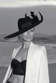 Karolina Kurkova ELLE Italia August 2019-1