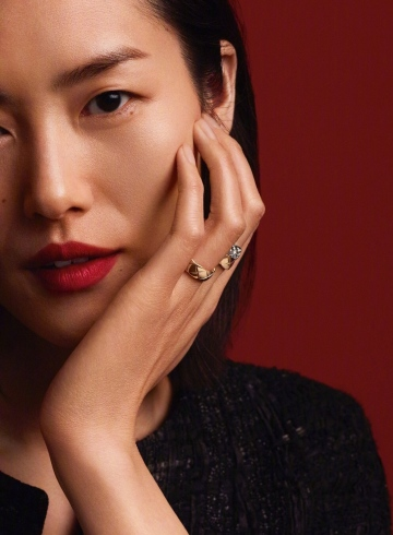 Liu Wen CHANEL CoCo Crush 2019 Campaign-8
