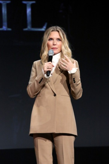 Michelle Pfeiffer in The Row-6