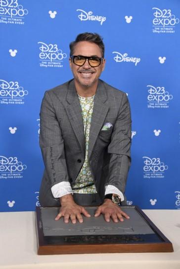 Robert Downey Jr.-7