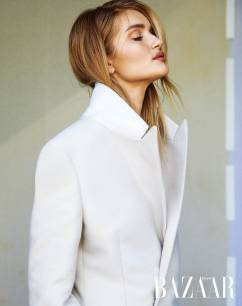 Rosie Huntington-Whiteley Harper's Bazaar Taiwan August 2019-4