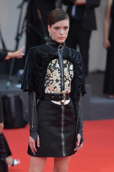 Stacy Martin in Louis Vuitton Resort 2020-3