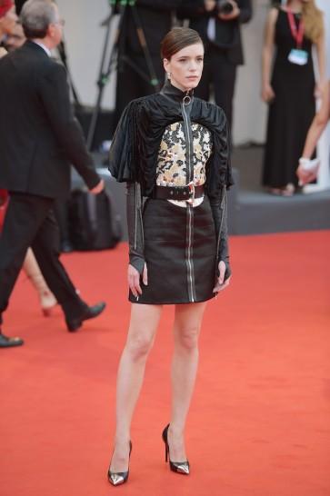 Stacy Martin in Louis Vuitton Resort 2020-5