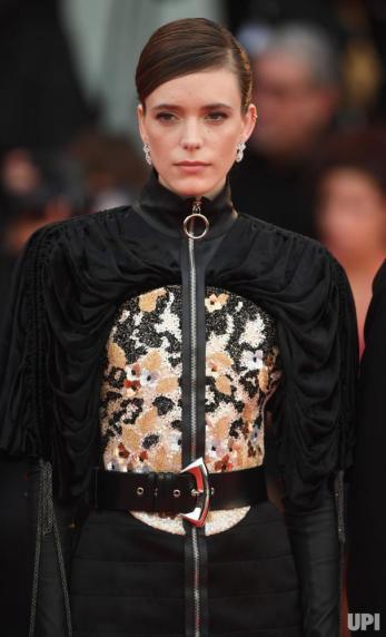 Stacy Martin in Louis Vuitton Resort 2020-6