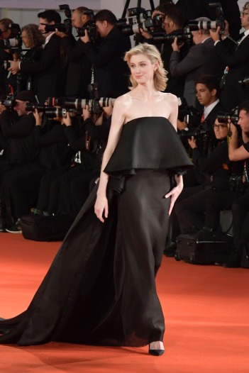 Elizabeth Debicki in Schiaparelli Fall 2019 Couture-12
