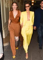 Gigi Hadid in Oscar de la Renta Spring 2020 with Bella Hadid in Spring 2020-1