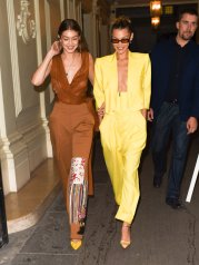 Gigi Hadid in Oscar de la Renta Spring 2020 with Bella Hadid in Spring 2020-3