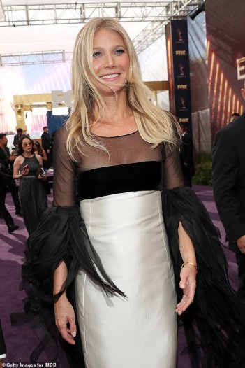 Gwyneth Paltrow in Valentino Couture 1963-3