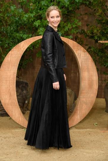 Jennifer Lawrence in Dior Fall 2019-3