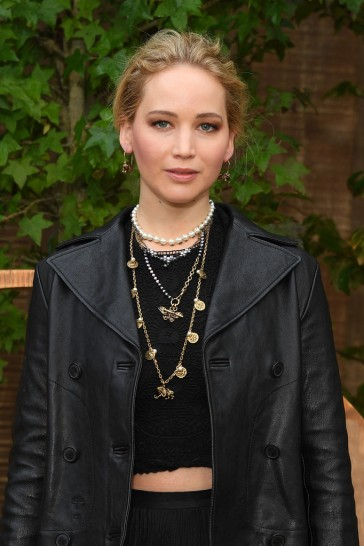 Jennifer Lawrence in Dior Fall 2019-5