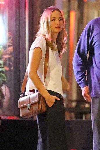 Jennifer Lawrence with Michael Kors Bag-1