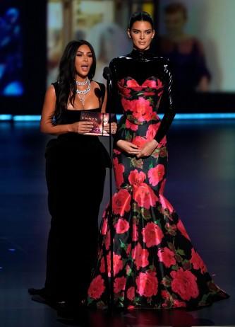 Kendall Jenner in Richard Quinn Spring 2020-7