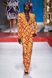 Moschino Spring 2020 Look 2