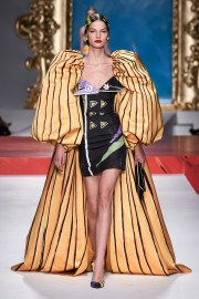 Moschino Spring 2020 Look 22
