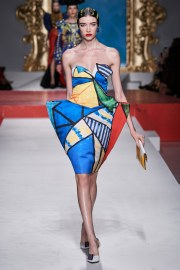 Moschino Spring 2020 Look 23
