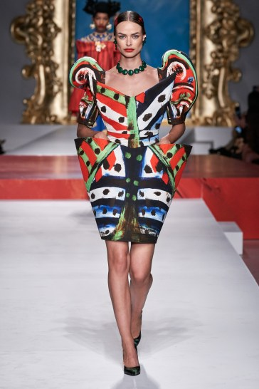 Moschino Spring 2020 Look 26
