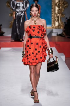 Moschino Spring 2020 Look 31
