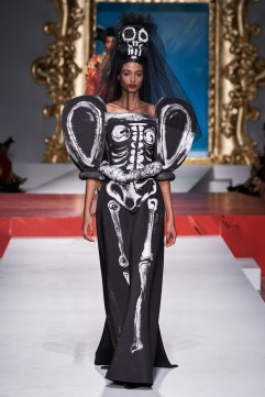 Moschino Spring 2020 Look 32