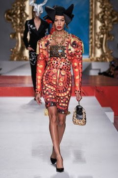 Moschino Spring 2020 Look 33