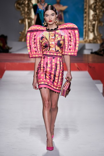 Moschino Spring 2020 Look 39