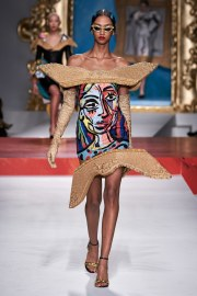 Moschino Spring 2020 Look 41