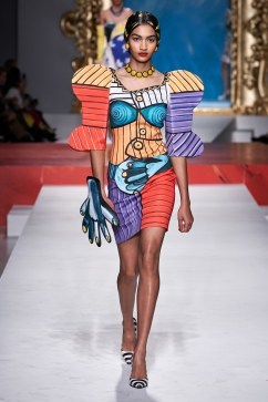 Moschino Spring 2020 Look 5