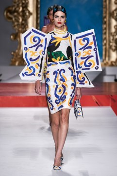 Moschino Spring 2020 Look 7