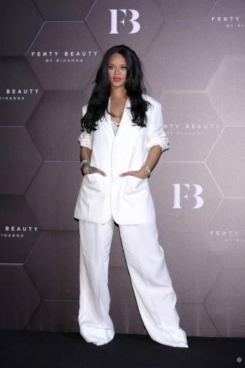 Rihanna in Jacquemus Spring 2020-9