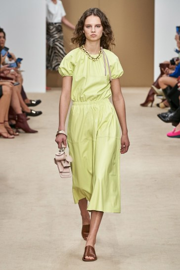Tod's Spring 2020 Look 13