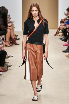 Tod's Spring 2020 Look 19