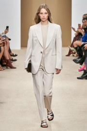Tod's Spring 2020 Look 2