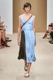 Tod's Spring 2020 Look 23