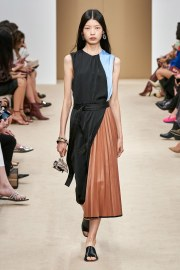 Tod's Spring 2020 Look 28