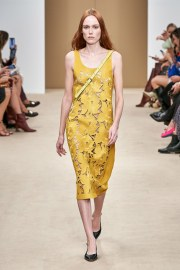 Tod's Spring 2020 Look 3